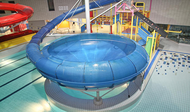 Cardiff international pool - London swimming pools with slides ...